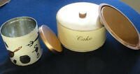 1960's Vintage Cake Carriere and Tin