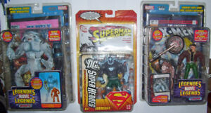 Marvel/DC action figures with comics.
