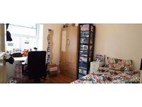 nice bright room close to Brick Lane