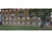 LOVELY 2 BEDROOM FLAT IN RM10 DAGENHAM ON TREFGARNE ROAD **PART DSS ACCEPTED** £1250