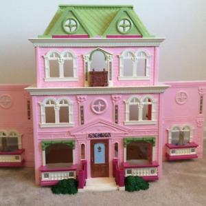 FisherPrice Doll House + many extras  NEW PRICE  170$