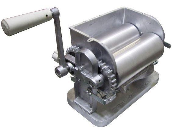Made in Mexico Monarca Manual Flower/Corn Aluminum Tortilla Maker Roller Press