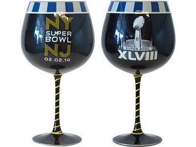 Seahawks Wine Glasses (SUPER BOWL XLVIII  SEAHAWKS vs BRONCOS 2/2/14 NY & NJ  ARTISAN 33oz WINE)