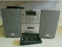 SONY PMC-D305L MINI HIFI SYSTEM WITH DETACHABLE SPEAKERS AND REMOTE CONTROL