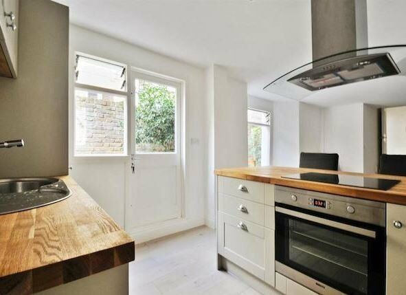 MESS - A lovely recently refurbished two double bedroom garden flat to rent in West Hampstead