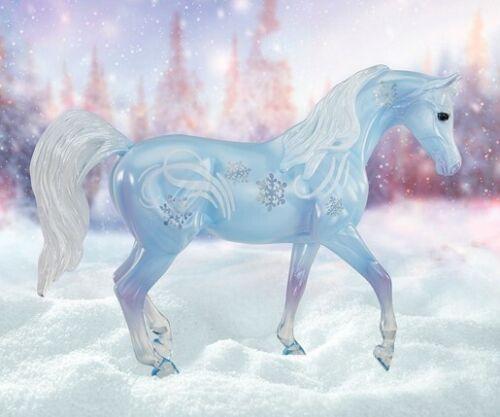 BREYER CHRISTOFF CLASSIC CLEARWARE ARABIAN MODEL HORSE BLUE SNOWFLAKES HOLIDAY