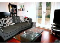 Stunning 1 bedroom property in the heart of Clapham with a private garden. Available 28/02/2017.
