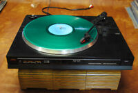 VINTAGE Record Player Turntable Fisher MT-715 80's