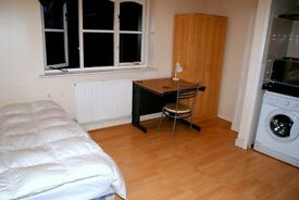Fully furnished studio in a shared house for 1 person or couple.