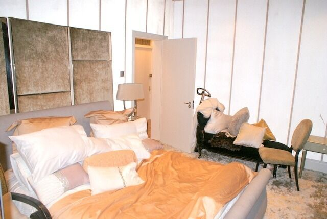 Incredibly high end 1 bedroom flat right next to Harrods. Furnished to a very high standard.