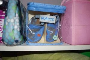 Gently Used Shark ROBEEZ slipper shoes 0-6M