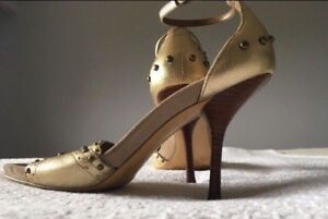MOVING SALE GOLD GUESS SHOES HIGH HEELS