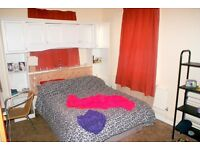 Spacious 3 Double bedroom flat. Prominent location near Surrey quays Shopping Centre & Canada water.