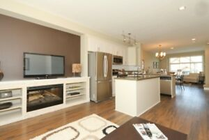 Quiet beautiful newer open layout and modern townhouse on a PARK