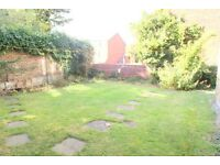 Perfect 2 double bedroom flat with a communal garden & Parking. Transport, shops & amenities close.