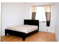 fabulous, Spacious Double Room On The 1st Floor Of A Character-Filled Development In A Quiet Area