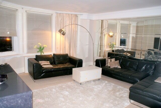 Spacious 3 Double Bedroom Apartment Situated a Stones Throw from Harrods Great Value for Money