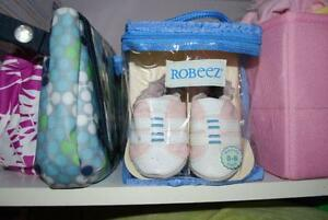 Gently Used ROBEEZ leather slippers. Pink 0-6M
