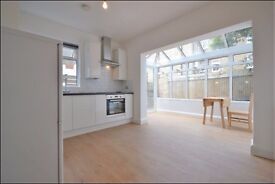 Beautiful 3 bedroom 3 bathroom flat with private garden close to tube and overground - Brondesbury