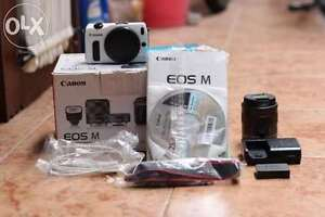 Canon Eos m with 2 Lenses and flash
