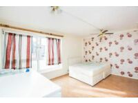 HUGE Forest Gate E7 2PEOPLE Double Room!