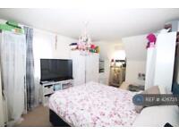 1 bedroom in Warwick Way, Dartford, DA1