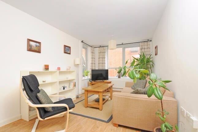 Stunning two bedroom apartment to rent immediately - £1350