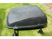 470L halfords roof box with universal bars