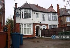 2 bedroom flat in Whitchurch Lane, Edgware, HA8 (2 bed)