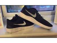 Nike Free Run Junior size 3 BRAND NEW