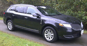 2013 Lincoln MKT Town Car Livery Edition
