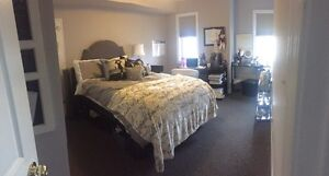 Perfect Room Available for Female Student London Ontario image 1