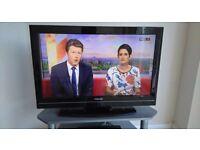 TOSHIBA 32 INCH HD TV + REMOTE! BARGAIN! MUSTGO!!!!