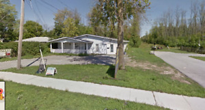 Semi house rental 875 plus utilities  2 bedroom 1 bath