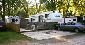 5th wheel for sale in Knights Beach resort Dunnville Ontario