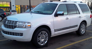 2011 Lincoln Navigator SUV, only 64,000km, Excellent condition