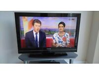 TOSHIBA 32 INCH HD TV + REMOTE! BARGAIN! STAND ALSO AVAILABLE!