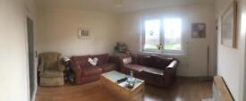 Two bed flat in Lochend with beautiful views