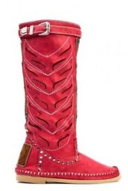 Used red cut out stud boots size 4