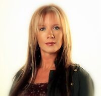 Psychic Reader Amanda - Call for a Reading