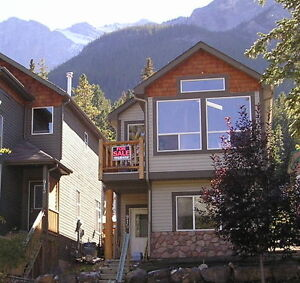 CANMORE'S LOWEST PRICED SINGLE FAMILY HOME
