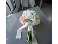 Bride and x7 bridesmaid bouquets