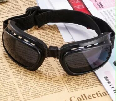 Goggles 2 pairs (dark grey and coloured mirror)