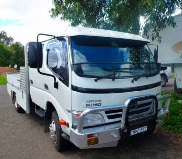 Hino 716 Double Cab 6 speed manual Cab Chassis Truck