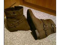 Alexis Leroy Boots