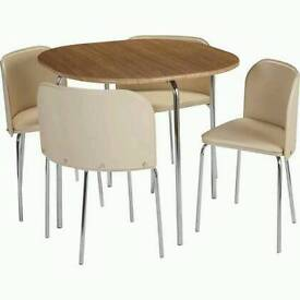 Amparo table and chairs