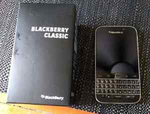 Bell/Virgin BlackBerry Classic hardly used