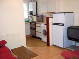 169b Kirkstall Lane, Leeds - 2 Bed flat, Headingley. Recently renovated on the first floor.