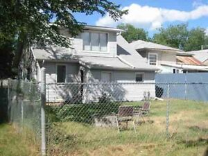 3 bedroom house for rent with a fully fenced yard!