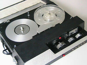 Tape recorder, with tape. Battery operated or 110V. Made in US $ West Island Greater Montréal image 1